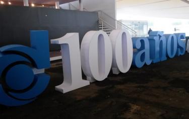 Donaldson celebra 100 años