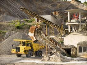 Denuncian a minera Ternium por explotación ilegal de tierras