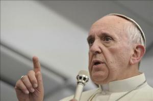 En_la_imagen,_el_papa_Francisco_en_una_rueda_de_prensa