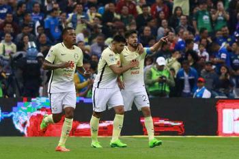 Oribe Peralta volvió a brillar ante Cruz Azul.