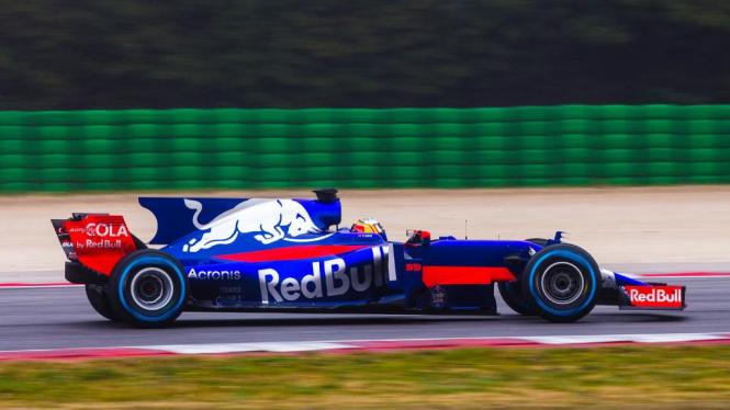 toro-rosso-str12-formula-1-2017.jpg